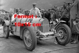 Reproduction D'une Photographie Ancienne D'une Bugatti Numéro 14 Posant En 1934 - Reproductions