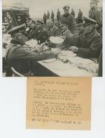 PHOTOS ORIGINALES - 1938 - Le Chancelier HITLER En Pays Sudète Avec KEITEL , HIMMLER , HENLEIN...  - Cliché FRANCE PRESS - Personnes Identifiées