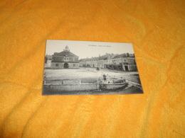 CARTE POSTALE ANCIENNE CIRCULEE DATE ?. / ECUEILLE.- PLACE DE LA MAIRIE. - Autres Communes