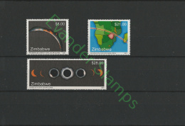 Zimbabwe 2001 Total Solar Eclipse.MNH - Zimbabwe (1980-...)