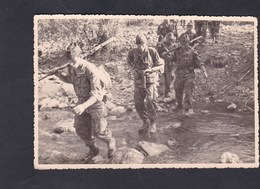 Photo Originale Militaria  Marcel Oberlaender C.C.S. SP 86224 AFN Algerie Groupe Militaires  En Patrouille - Guerre, Militaire