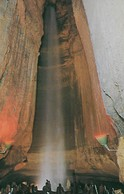 CARTE POSTALE ORIGINALE DE 9CM/14CM : RUBY FALLS LOOKOUT MOUNTAIN CAVERNS CHATTANOOGA TENNESSEE USA - Chattanooga