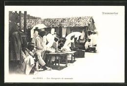 CPA Tananarive, Au Zoma, Les Changeurs De Monnaie - Madagascar
