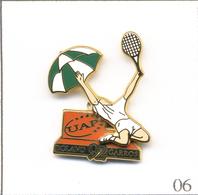Pin's Sport - Tennis / Roland Garros 1992 - Sponsor UAP  - Cartouche Noir. Double Moule. Est. Arthus Bertrand. T609-06 - Tennis