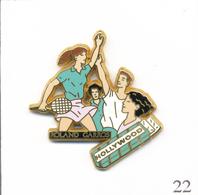 Pin's Tennis / Roland Garros - Sponsor Hollywood Chewing-Gum  - Version Paquet Vert. Est. Arthus Bertrand. T609-22 - Tennis