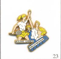 Pin's Tennis / Roland Garros - Sponsor Hollywood Chewing-Gum  - Version Paquet Bleu. Est. Arthus Bertrand. T609-23 - Tennis