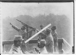 1915-1916 Aisne Poste De DCA Français Sur Un Aérodrome Mitrailleuse Hotchkiss Sur Affut Spécial 1 Photo Ww1 1914-1918 - Krieg, Militär