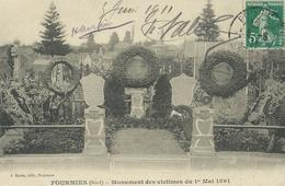 CPA  FOURMIES MONUMENT DES VICTIMES DU 1er MAI 1891 - Fourmies