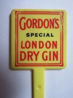 076 - Touilleur - Agitateur - Mélangeur à Boisson - Gordon's Special London Dry Gin - Swizzle Sticks