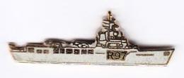 Pin's Militaria Marine Nationale Bateau R97 Porte Hélicoptères Jeanne D'Arc - Militair & Leger