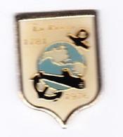 Pin's Militaria Marine Nationale Bateau Sous Marin LA PRAYA 1976 - Militair & Leger