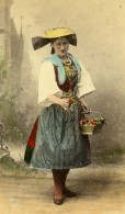 Allemagne Hambourg Marchande De Fleurs Vierlanderin Ancienne CDV Photo Hattorff 1890 - Photographs