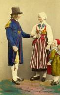 Suede Dalécarlie Leksand Costume Traditional Ancienne CDV Photo Coloriée Eurenius 1868 - Photographs