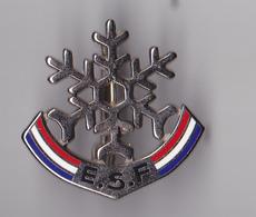 PIN'S BROCHE THEME SKI  ECOLE SKI FRANCAIS - Winter Sports