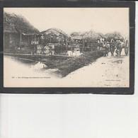 Un Village Annamite Sur Pilotis - Viêt-Nam