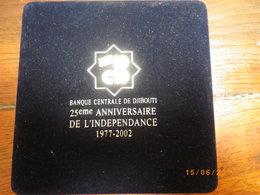 TRES RARE .Edition Numismatique Limitée De La Banque Centrale Pour Le 25ème Anniversaire De L'indépendance.3 Monnaies - Djibouti