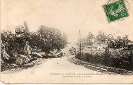 42. Pierre Sur L'autre. Près Panissières. Route De Feurs à Tarare. Coin Bas Gauche Manquant - Other Municipalities