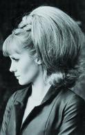 French Françoise Dorléac   Actress PIN UP PHOTO Postcard - Publisher RWP 2003 (01) - Mujeres Famosas
