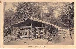 GABON - Eglise De Village / Village Church - CPA -Afrique Noire Black Africa - Gabon
