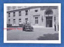 Photo Ancienne Snapshot - à Situer - Homme & Son Automobile - Peugeot ? - Auto - Cars