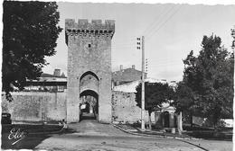 CADILLAC SUR GARONNE - 33 - Porte De La Mer - SAL** - - Cadillac