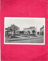 COUTRAS - 33 - Square Henri Goffre - SAL** - - Autres Communes