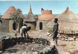 Afrique Animée Construction D'une Case - Other