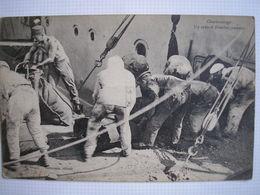 THEME BATEAUX - CPA - Charbonnage - Un Sabord D'embarquement - Carte écrite De Corfou En 1917 - Commerce