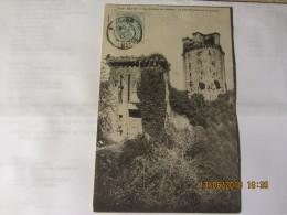 Cpa ELVEN (56) Les Ruines Du Château -la Grande Porte Et Le Donjon - Elven