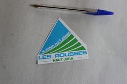 LES ROUSSES HAUT JURA LA STATION AUX 4 VILLAGES   1 Autocollant - Autocollants