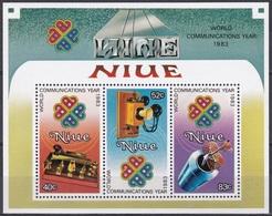 Niue 1984 Organisationen Kommunikation Weltkommunikationsjahr Satellit Telefon Phone Morsen, Bl. 73 ** - Niue