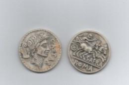 Lot 2 Fèves  Biscuit   Rome Antique  30 Mm - History