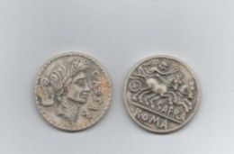 Lot 2 Fèves  Biscuit   Rome Antique  30 Mm - Histoire