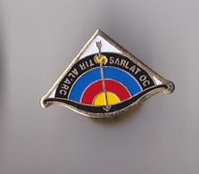 PIN'S THEME SPORT TIR A L'ARC  CLUB DE SARLAT EN DORDOGNE - Archery