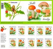 Czech Republic - 2018 - Edible Mushrooms - Mint Self-adhesive Stamp Booklet With Hologram - Ongebruikt