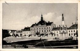 Valtice - Feldsberg - Stadtplatz - Rathaus (2420) - Czech Republic