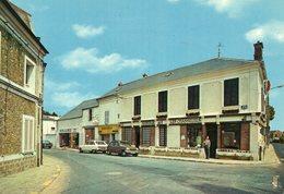 (78) LE MESNIL SAINT DENIS Centre Ville L'Auberge Des Chasseurs Voiture Auto Car R16 R5 Oblitéré En 1981  (Yvelines) - Le Mesnil Saint Denis