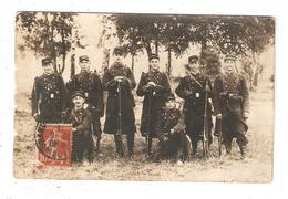 Carte Photo Militaria 51 CHALONS Camp De Châlons Groupe De Soldats Au Retour De Manoeuvres - 132ème R. I. (?) - 1914 - Caserme