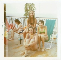 Foto/Photo. Pin Up. Jeunes Femmes En Maillot/Bikini. 1971. - Pin-Ups