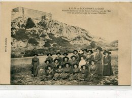 30 - Rochefort Du Gard : ...Groupe De Jeunes Pèlerines - Rochefort-du-Gard