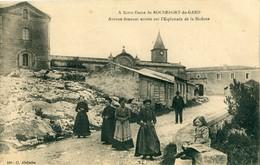 30 - Rochefort Du Gard : Avenue Donnant Entrée Sur L' Esplanade ... - Rochefort-du-Gard