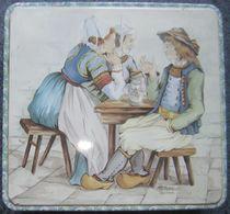 Boite Métal  23.5x22.5x6.5 Cm - Emballage Gâteaux Massilly  - Bon état Illustration Bretons HB Henriot - En  Fer Blanc - Boîtes