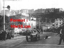 Reproduction D'une Photographie Ancienne D'une Bugatti T51 En Course Au G.P De Monaco En 1931 - Reproductions