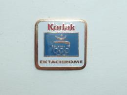 Pin's KODAK EKTACHROME, SPONSOR BARCELONA 92 - Photography