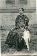 INDOCHINE CARTE POSTALE DE COCHINCHINE -SAIGON -DAME ANNAMITE RICHE AYANT VOYAGEE - Postales