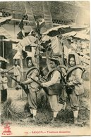 INDOCHINE CARTE POSTALE DE SAIGON -TIRAILLEURS ANNAMITES - Postales
