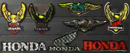 Lot De 8 AUTOCOLLANTS PUB Pour Les MOTOS  - YAMAHA - KAWASAKI - HONDA - TBE - Stickers