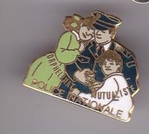 Pin's Orphelinat DE LA POLICE NATIONALE - Police