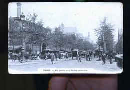 PARIS LES HALLES  PUB AU DOS A LA GROSSE BOTTE - Petits Métiers à Paris