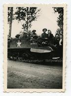 La Libération. WW2. Vue Sur Un Char Au Moment De La Libération.Bruxelles? - Photographs
